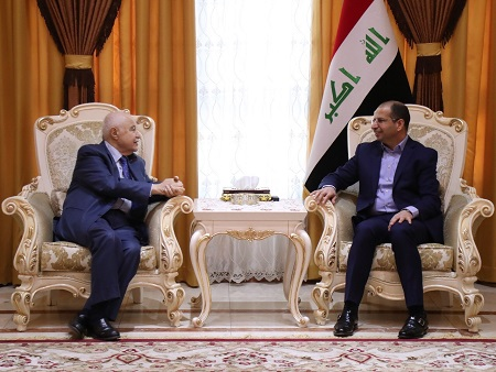 Abu-Ghazaleh, Iraqi Vice-President and Iraqi Parliament Speaker Discuss Enhancement of Strategic Projects between Iraq and Jordan
